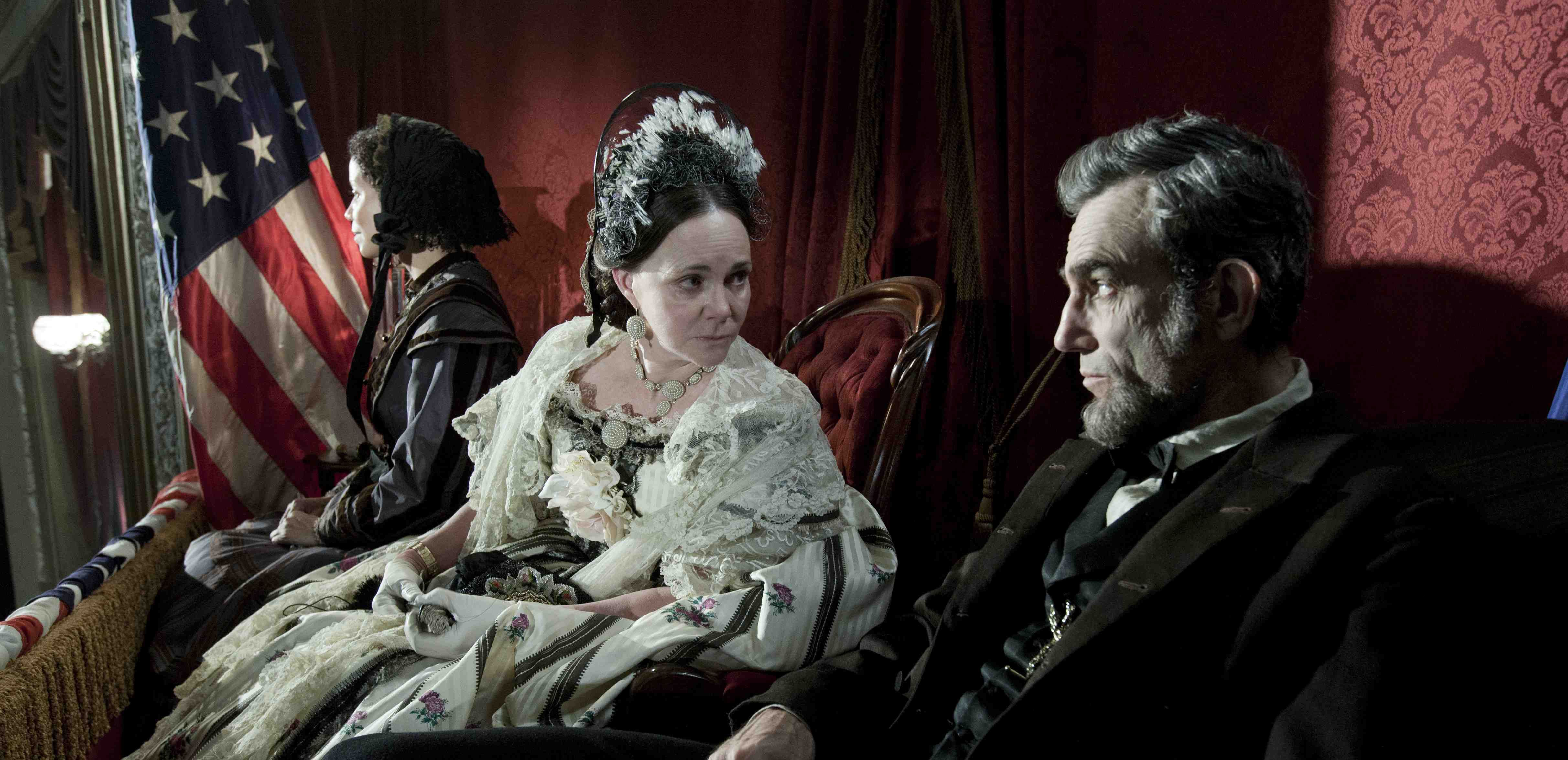 lincoln film review Abraham lincoln's second term, with its momentous choices, has been brought to the screen by steven spielberg as a fascinatingly theatrical contest of rhetoric and strategy it is a nest of high.