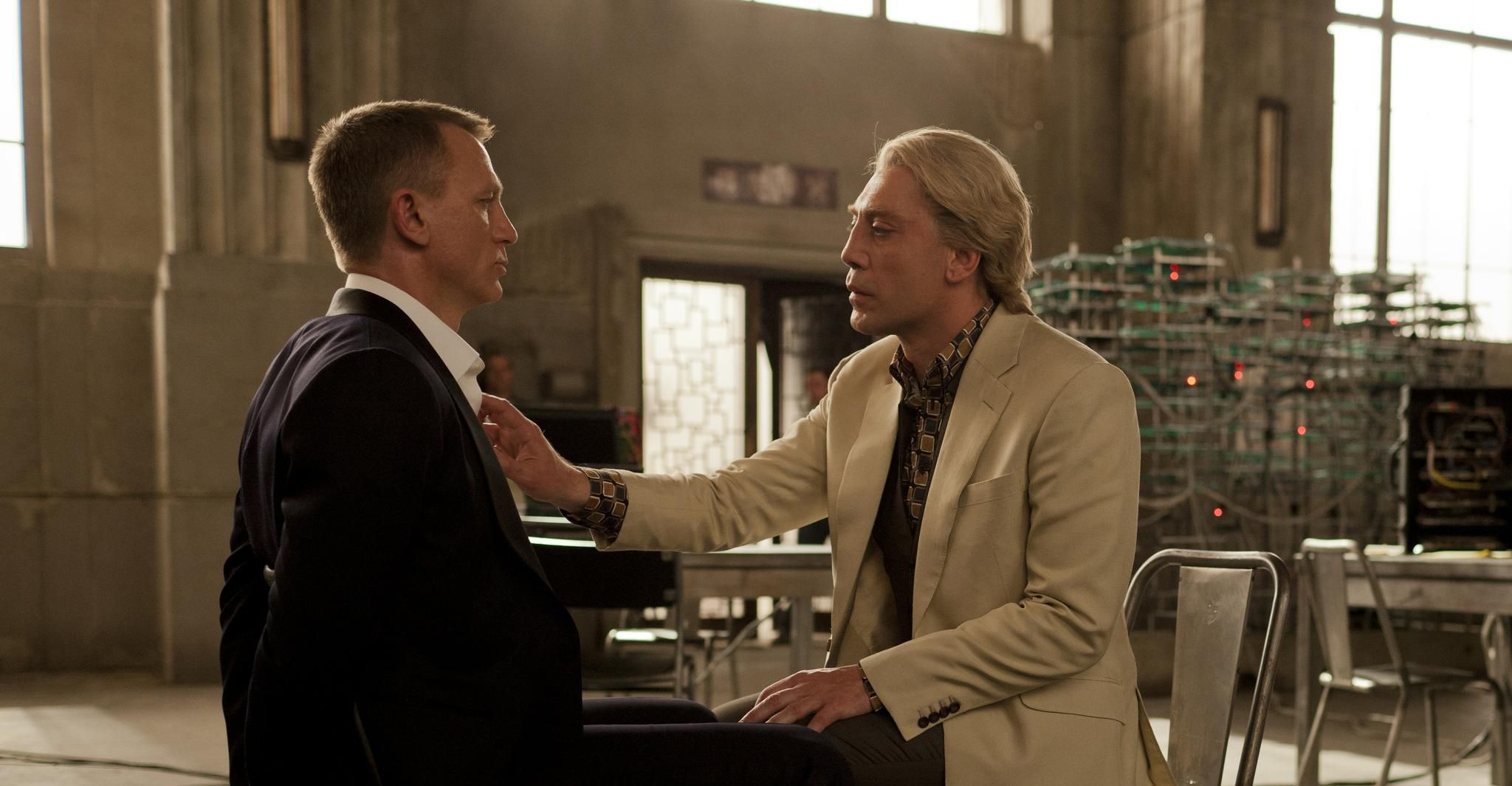 movie review sample skyfall film
