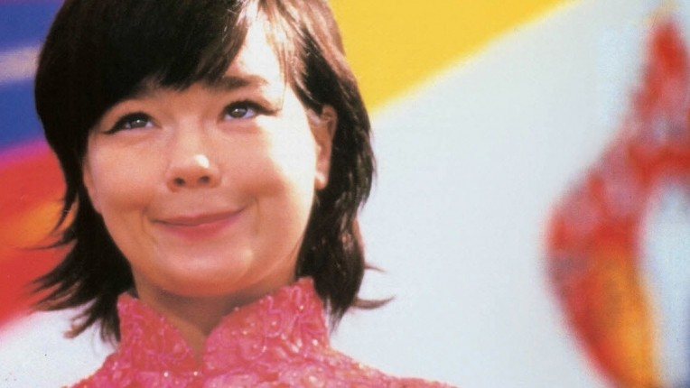 Björk Hurts China's Feelings