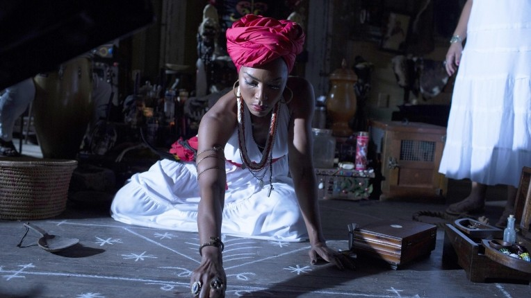 "American Horror Story: Coven Recap: Episode 4, ""Fearful Pranks Ensue"""