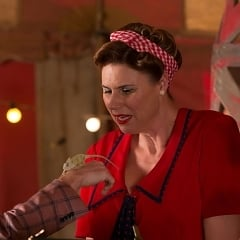 "American Horror Story: Freak Show Recap: Episode 11, ""Magical Thinking"""