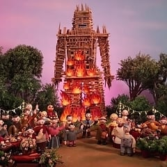 """Radiohead Drops New Single & Wicker Man-Inspired Music Video for """"Burn the Witch"""""""