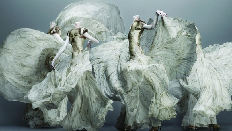 "The Spectacular Confrontations of ""Alexander McQueen: Savage Beauty"""