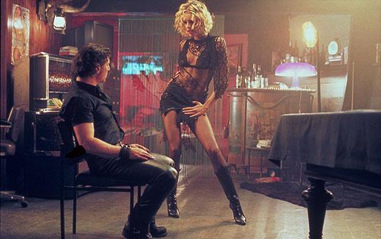 http://www.slantmagazine.com/assets/house/film/15famouswomeninblack_7.jpg