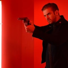 <em>The Guest</em> Trailer Shows Off Dan Stevens&#8217;s Assets