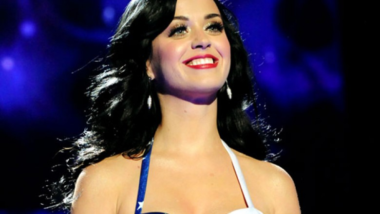 Links for the Day: Katy Perry Sets Billboard Record, Anderson Cooper Laughs at Gérard Depardieu, Christine O'Donnell Disses Piers Morgan, & More