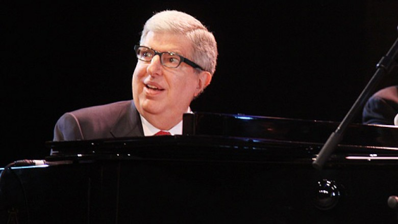 Links for the Day: Marvin Hamlisch R.I.P., &#8220;Dear Zuckerberg&#8221; Letter Causes Stir, Curiosity&#8217;s First Color Photo, <em>Zero Dark Thirty</em> Trailer, &amp; More