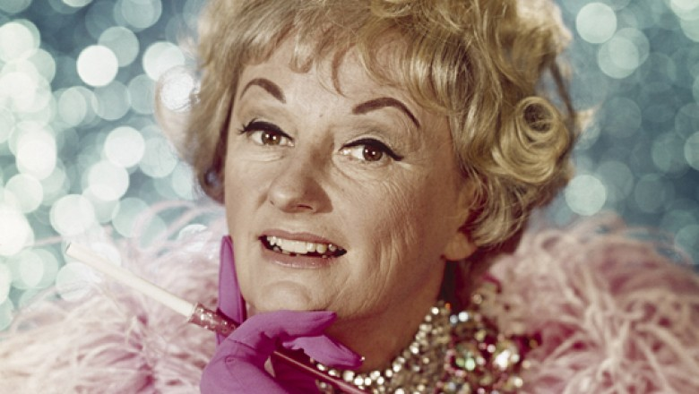 Links for the Day: Phyllis Diller R.I.P., Tony Scott Remembered, Paglia on Hitchcock, Todd Akin Is Sorry, Syphilis Shuts Down Porn Industry, & More