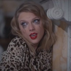 "Taylor Swift Plays the Femme Fatale in ""Blank Space"" Music Video"