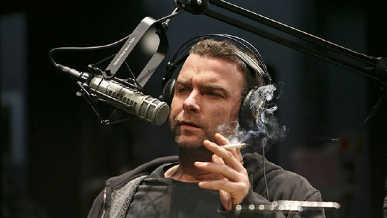 Hell Is Other People: Liev Schreiber in <em>Talk Radio</em>