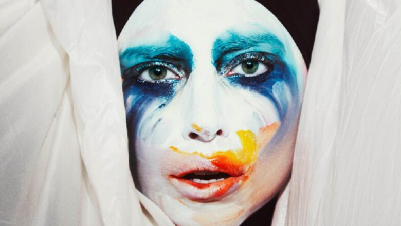 "Single Review: Lady Gaga, ""Applause"""