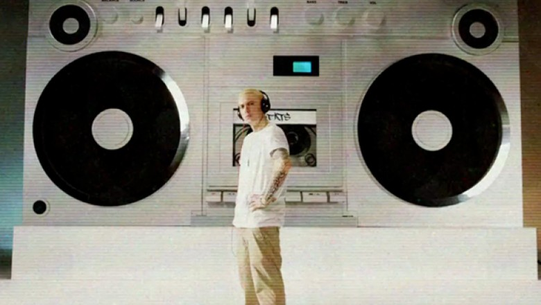 "Eminem Goes ""Berzerk"" on New Single"