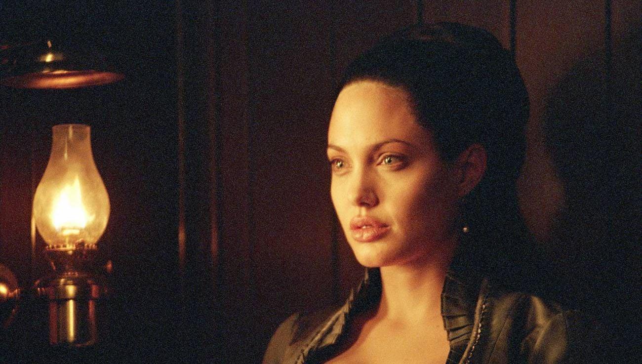 Angelina Jolie Original Sin review: original sin - slant magazine