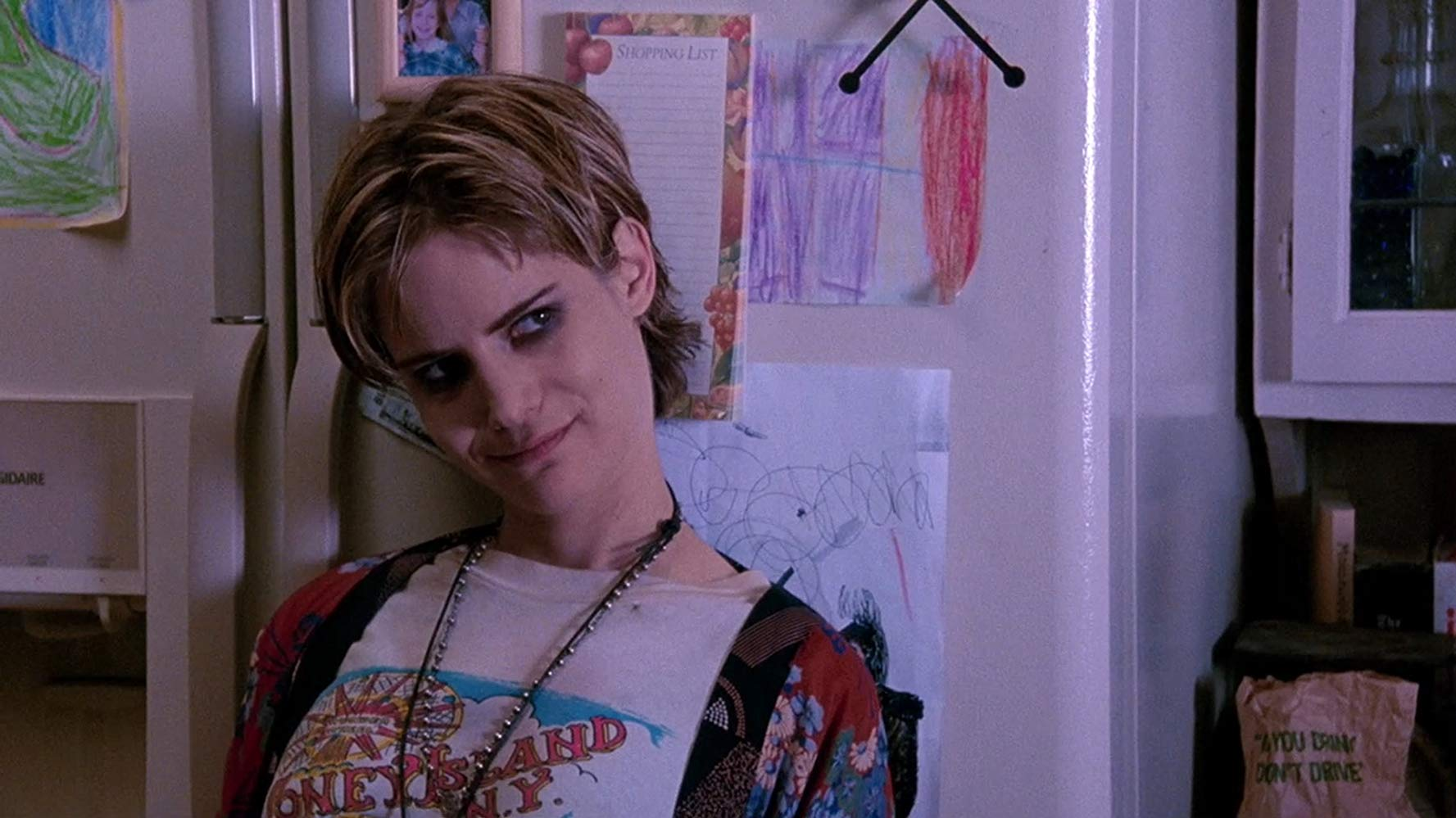 5 for the Day: Jennifer Jason Leigh