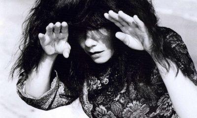 Björk, Crystalline