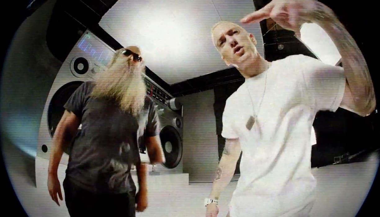 """Music Video: Eminem's """"Berzerk"""""""