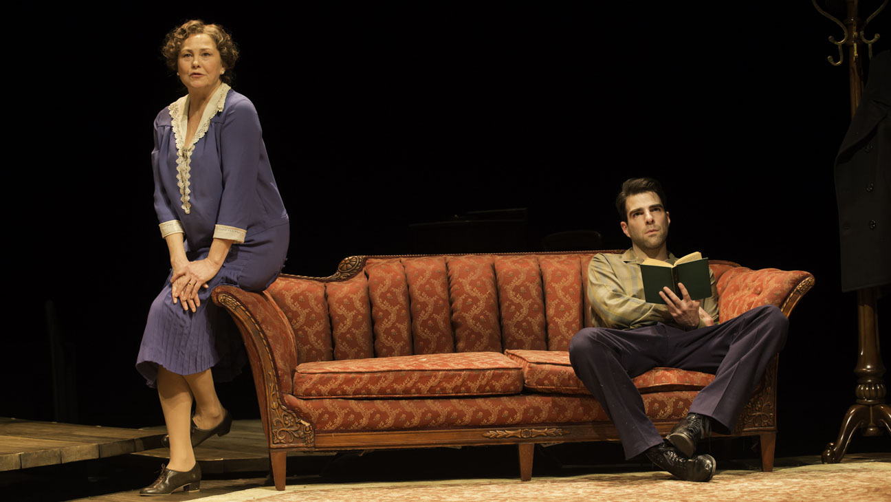 Review: The Glass Menagerie at the Booth Theatre