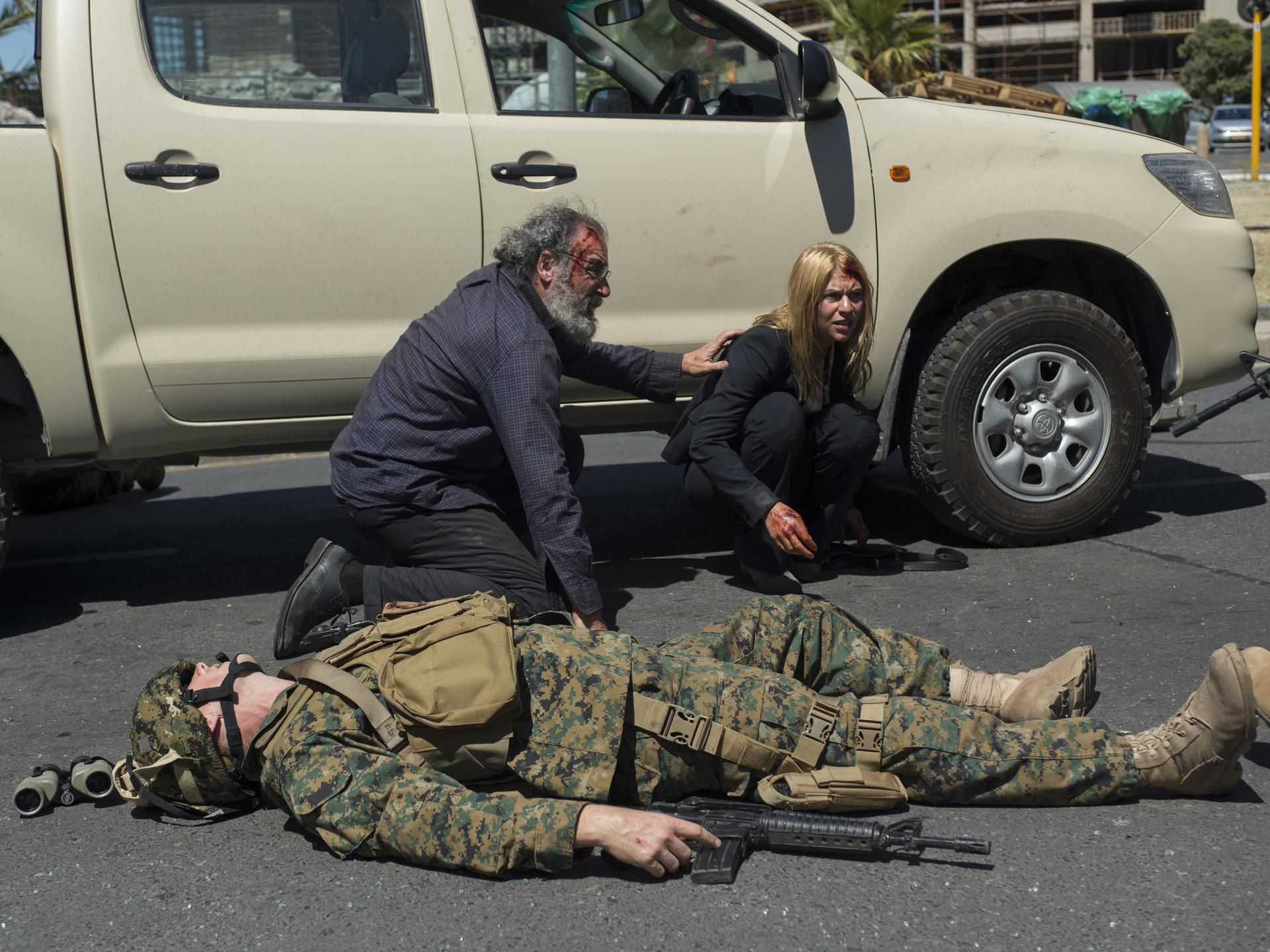 Wholl Be Iran War Buildups Judy Miller >> Homeland Recap Season 4 Episode 10 13 Hours In Islamabad