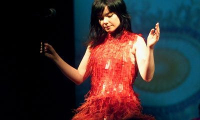 Björk (New York, NY – October 4, 2001)