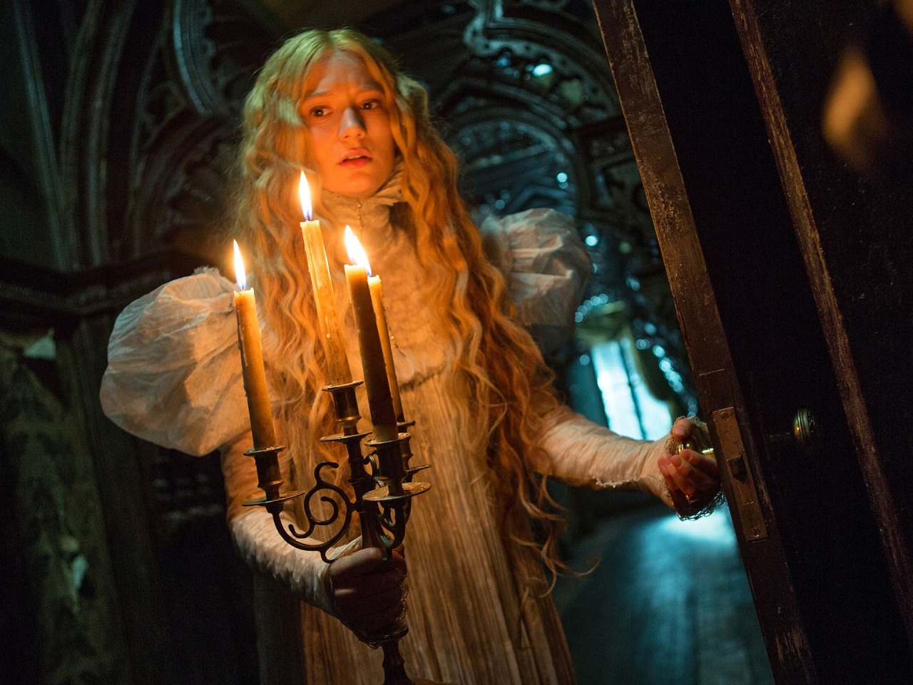 Box Office Rap: Crimson Peak and Two Brands of Horror Nostalgia