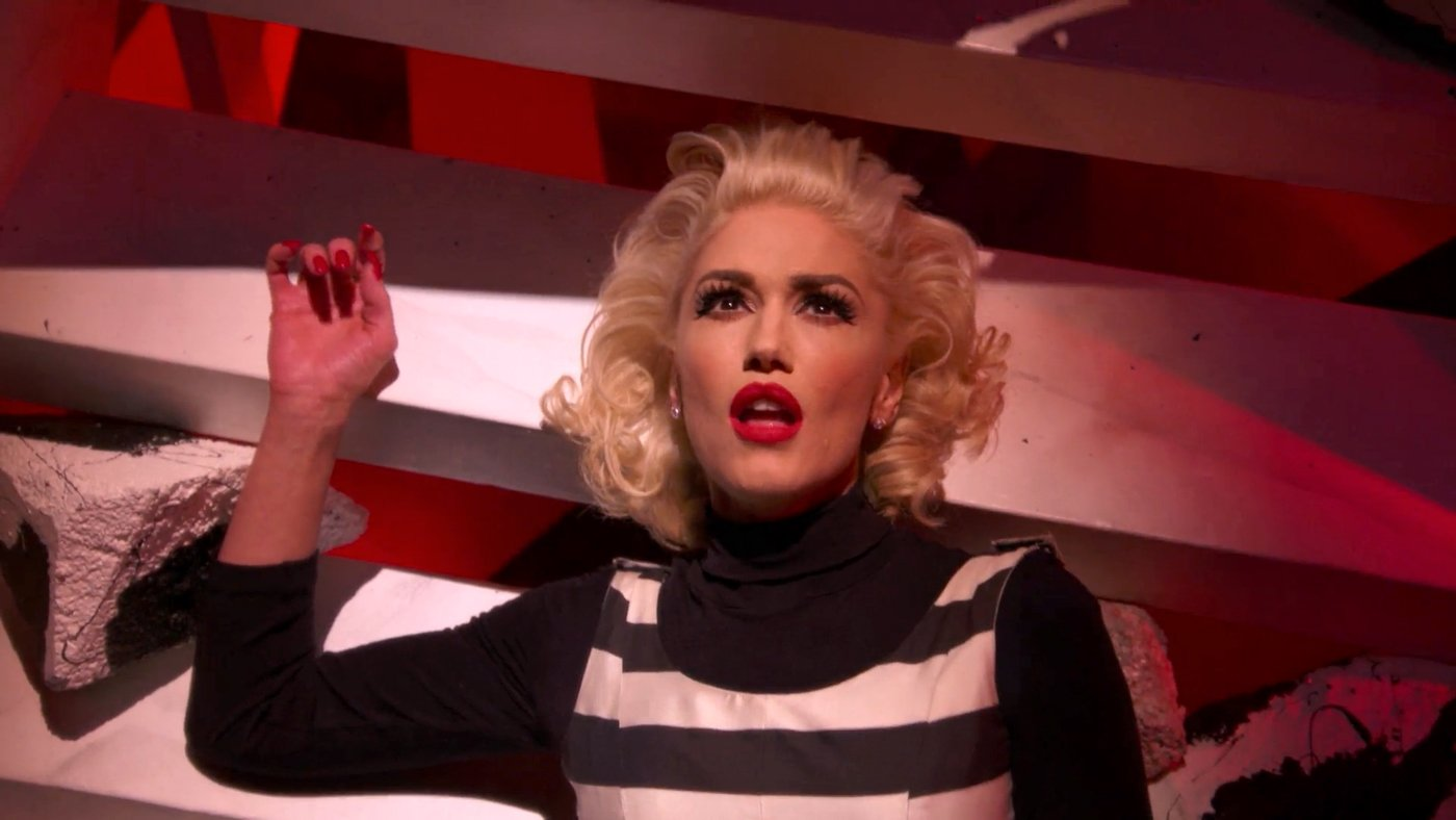 """Gwen Stefani Is Revitalized in """"Live"""" Music Video """"Make Me Like You"""""""