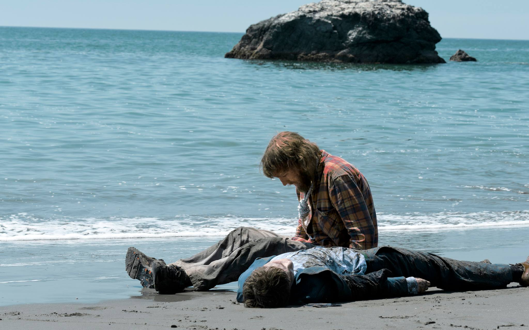 """A24's """"Farting Corpse Movie"""" Swiss Army Man Gets First Trailer"""