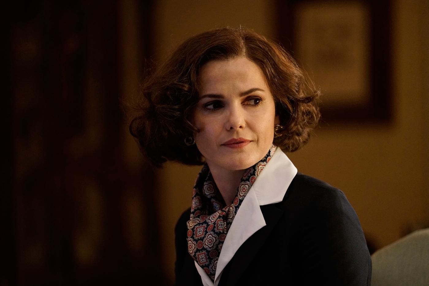 "The Americans Recap: Season 5, Episode 1, ""Amber Waves"""