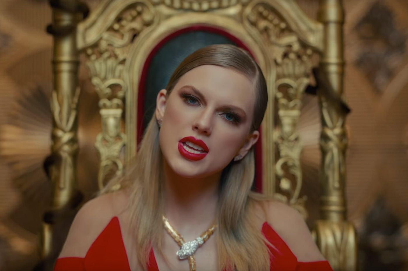 "d29853223 Review: The Mythmaking of Taylor Swift's ""Look What You Made Me Do"" Music  Video"