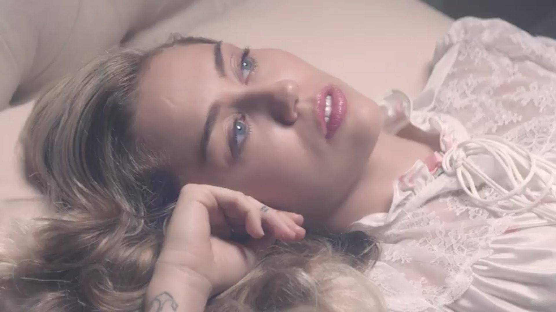 """Miley Cyrus Channels Elvis in """"Younger Now"""" Music Video"""