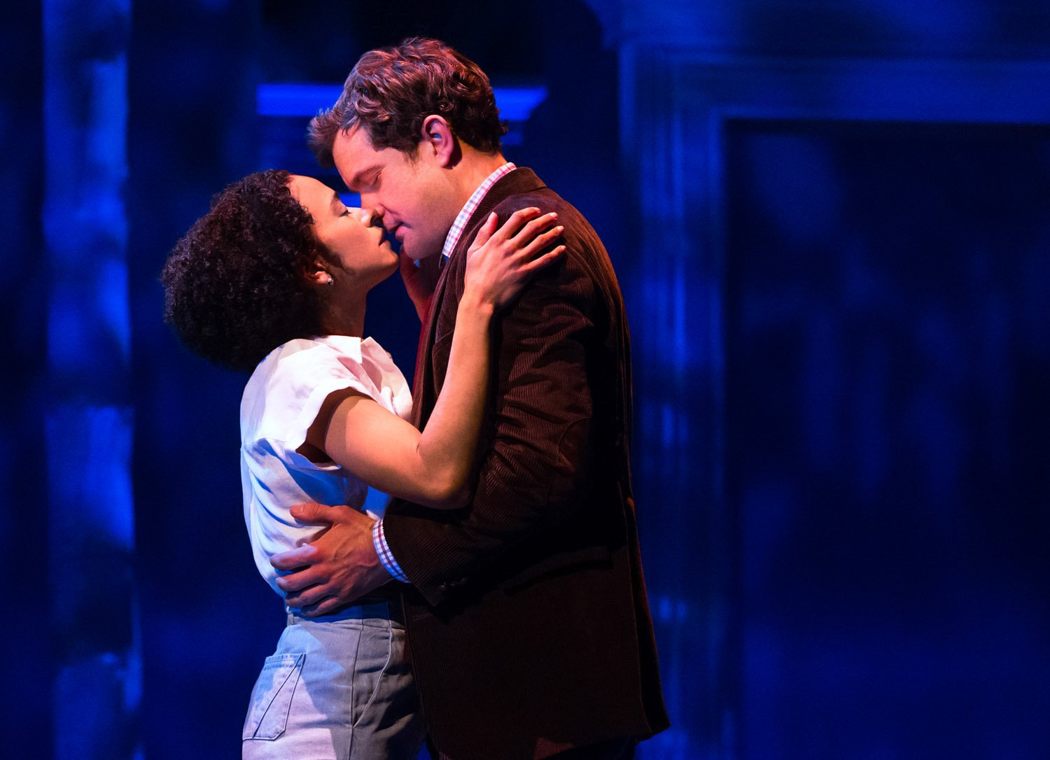 Theater Review: Joshua Jackson Soars in Children of a Lesser God at Studio 54