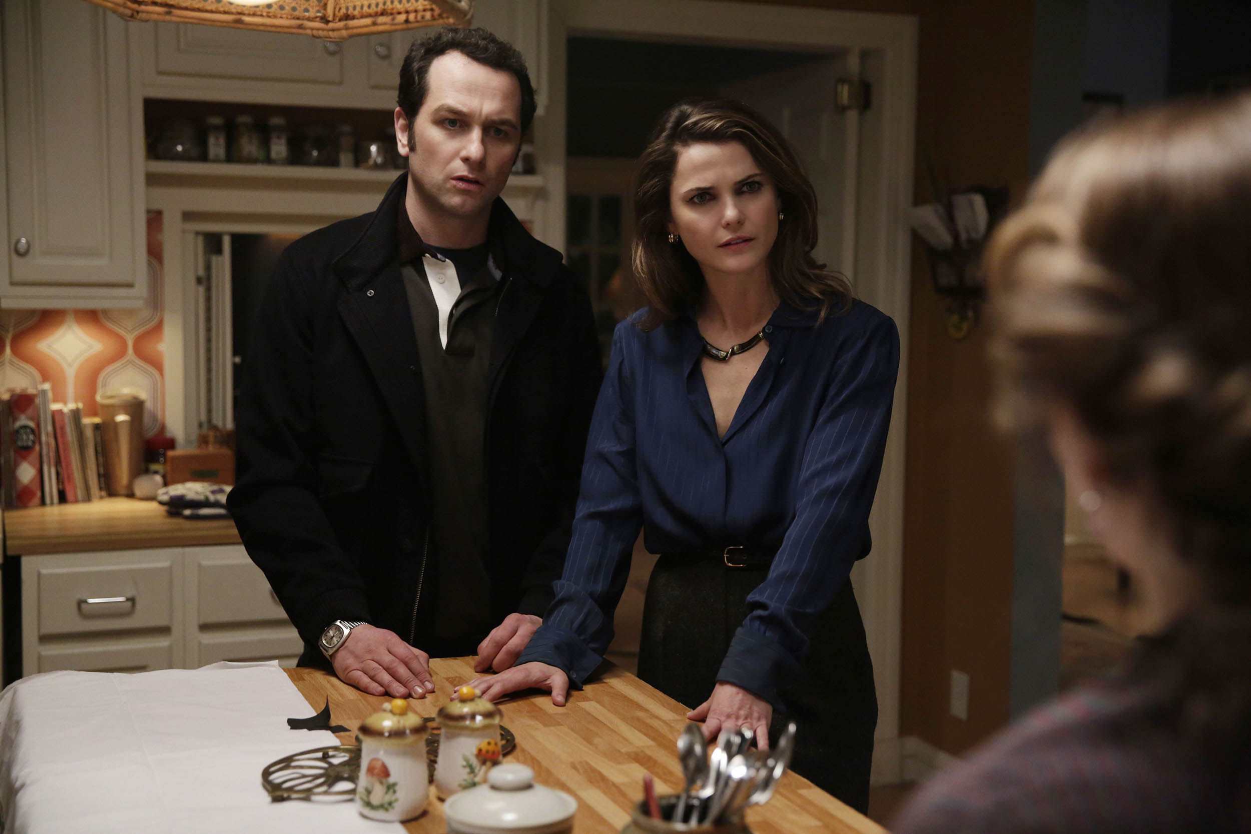"The Americans Recap: Season 3, Episode 10, ""Stingers"""